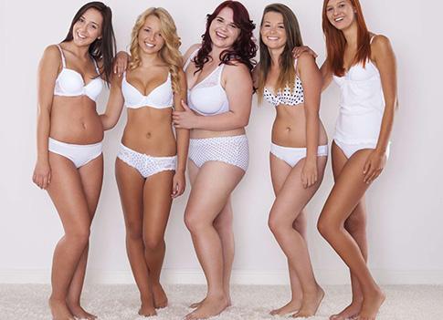 Groupe de mannequins lingerie