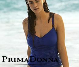 Femme portant un Tankini bleu Cocktail de la marque Prima Donna
