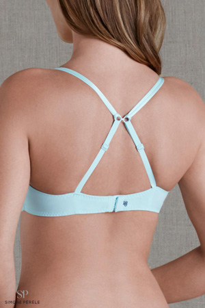 femme mannequin chatain de dos porte soutien-gorge bleu croisé dans le dos simone pérèle push up t back