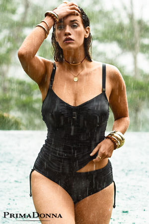 8ef9b447d3 mannequin grande taille myla dalbesio porte haut baillot de bain tankini et  bas culotte shorty marche