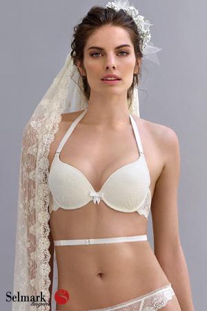 mannequin Selmark lingerie mariage porte soutien-gorge dos-nu blanc