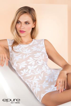 mannequin porte body lingerie blanc en dentelle de calais de la marque Epure par Lise Charmel