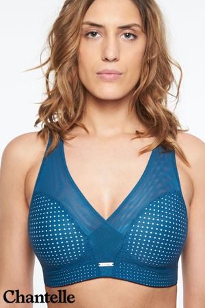 soutien-gorge de sport de la marque Chantelle collection Sports Bra brassière low impact en coloris bleu ming lexique des matières lingerie polyamide