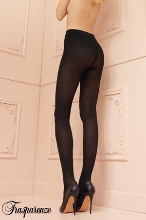 mannequin topless porte paire de collants noir de la marque trasparenze opaques collection linda