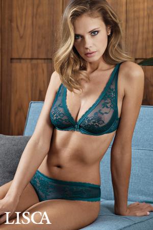 mannequin lisca porte ensemble de lingerie sexy vert canard de la marque lisca soutien-gorge triangle avec armatures en dentelle collection Eternity