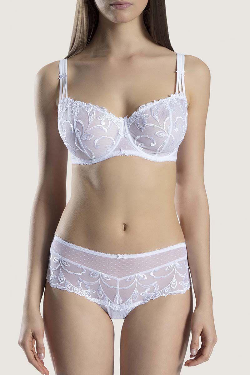 Mannequin portant un soutien-gorge bonne F corbeille blanc d'Aubade