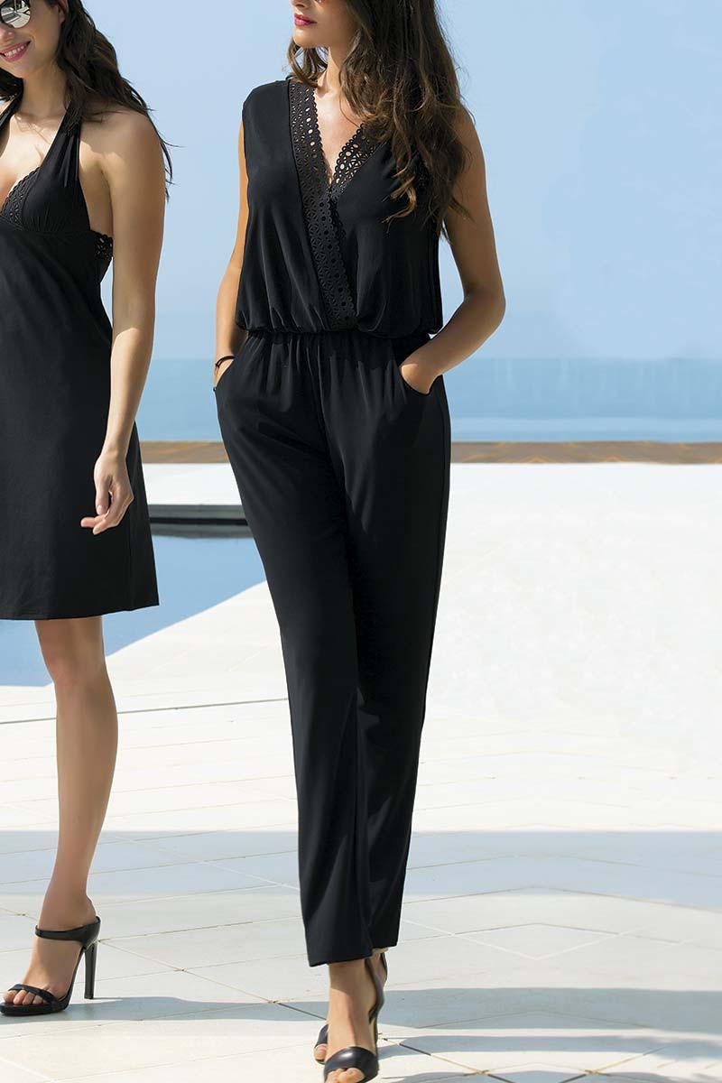 Mannequin portant une combinaison pantalon de la marque Lise Charmel