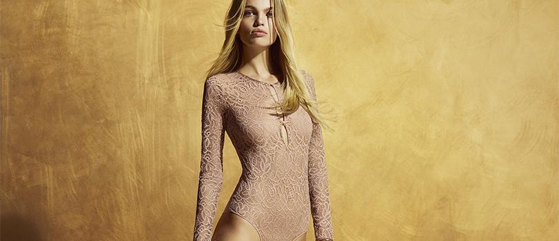 Mannequin portant un body habillé
