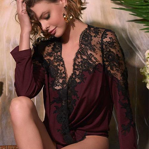 Mannequin portant un body habillé de la marque MArjolaine