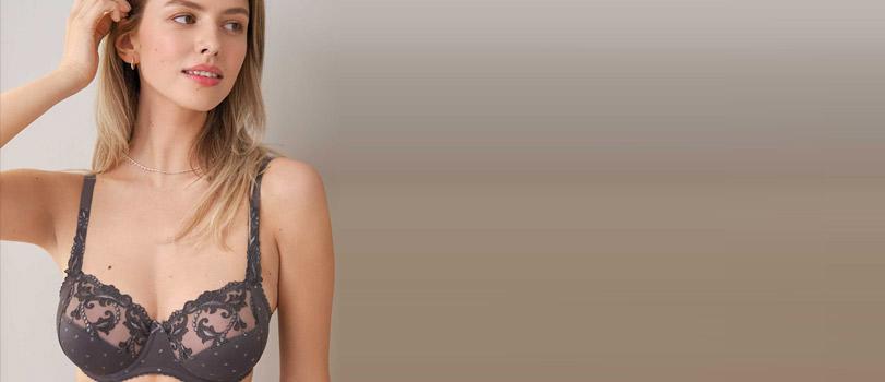 Mannequin portant un soutien-gorge bonnet G noir de la marque Felina