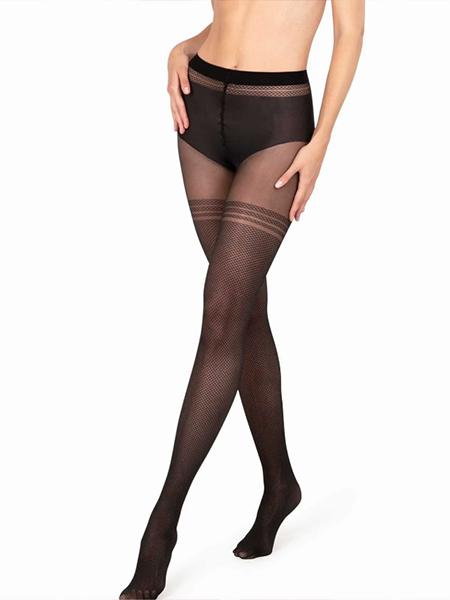 Mannequin portant des collants à effet bas noir de la marque Le Bourget