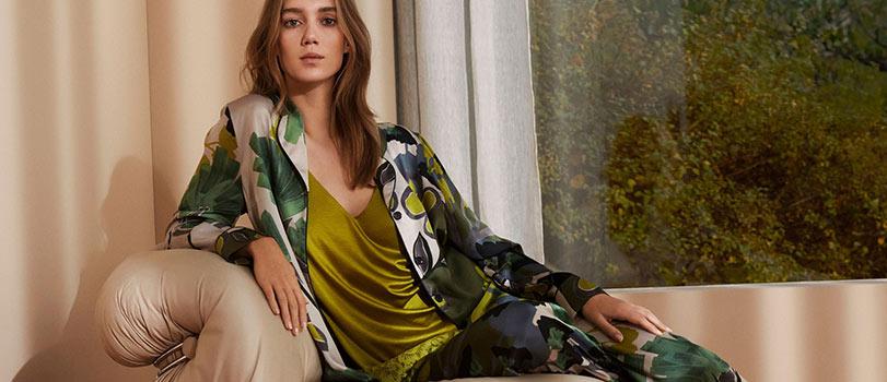 Mannequin portant un très beau pyjama coloré