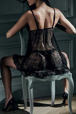 Femme Romantique noir vénuse